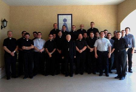 Encuentro del Obispo con los sacerdotes jóvenes